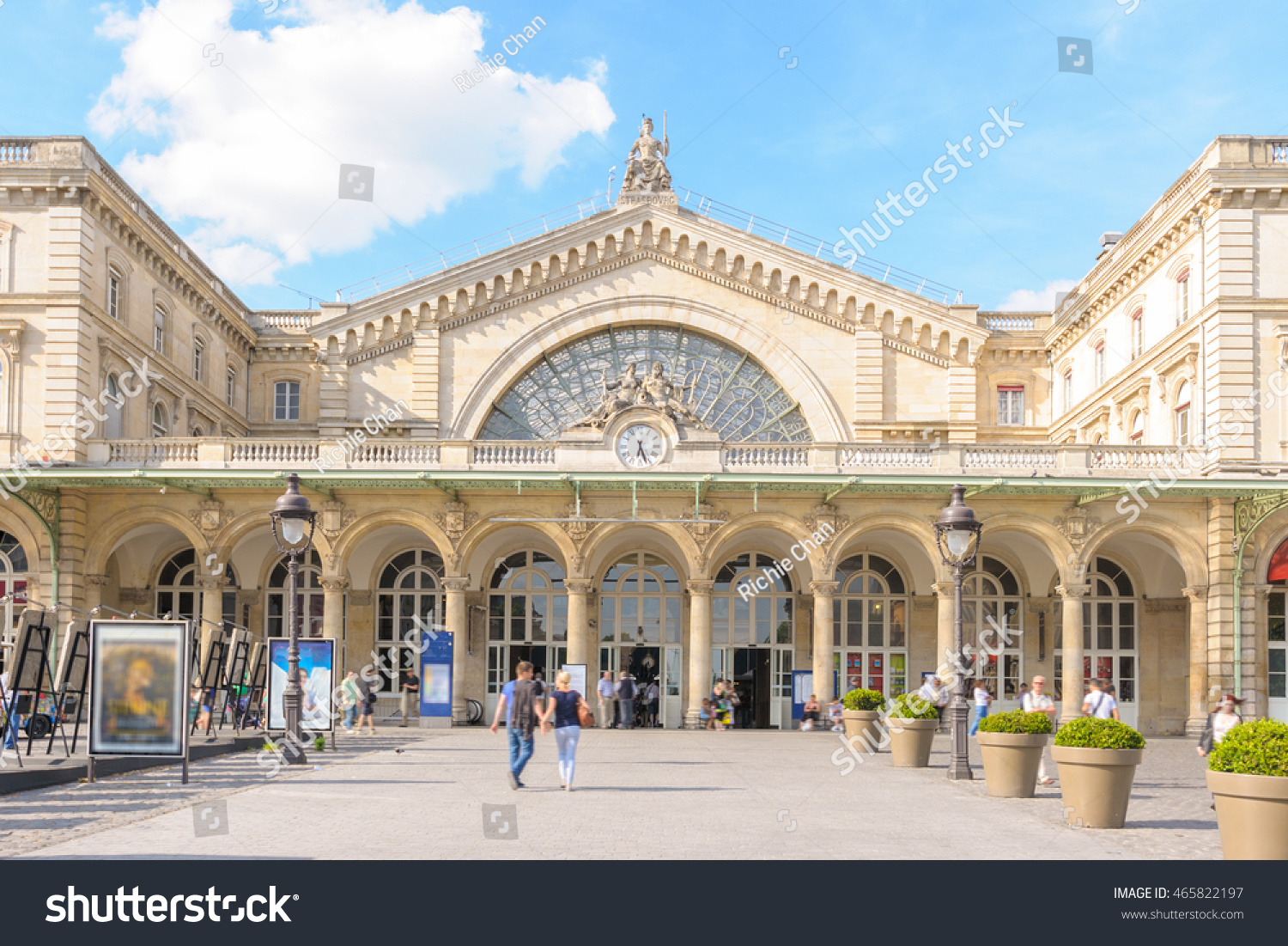 Gare De Paris Gare De Paris Est Gare De L Est Stock Photo Edit Now 465822197