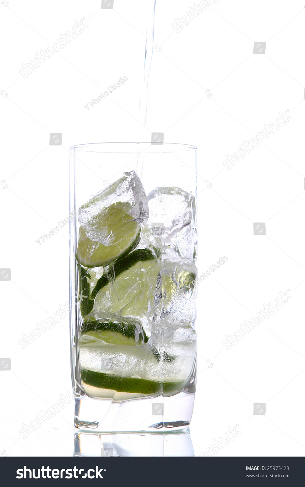 Mojito Glas Glas Of Water With Ice And Lime Ez Canvas