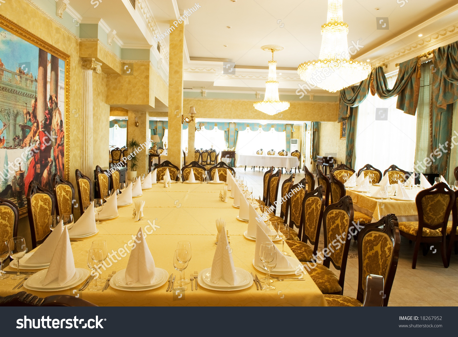 Restaurant Oriental Montpellier Interior Luxury Restaurant Stock Photo Edit Now 18267952
