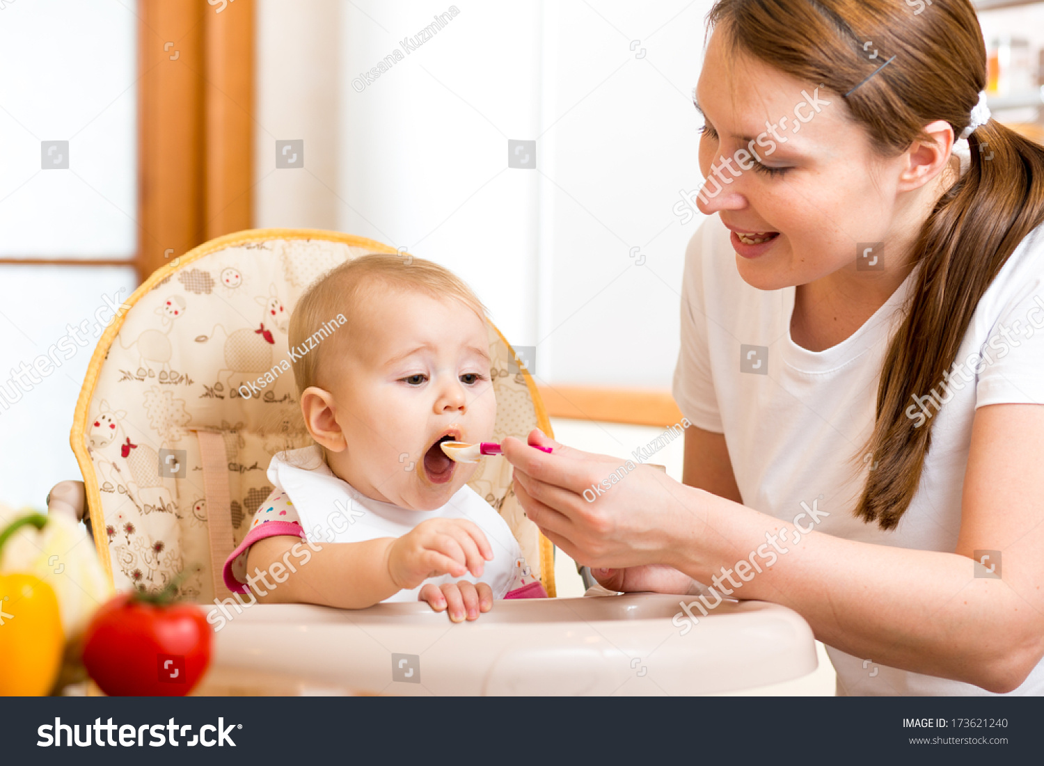 Baby Feeding Spoons Mother Feeding Baby Spoon Stock Photo 173621240 Shutterstock