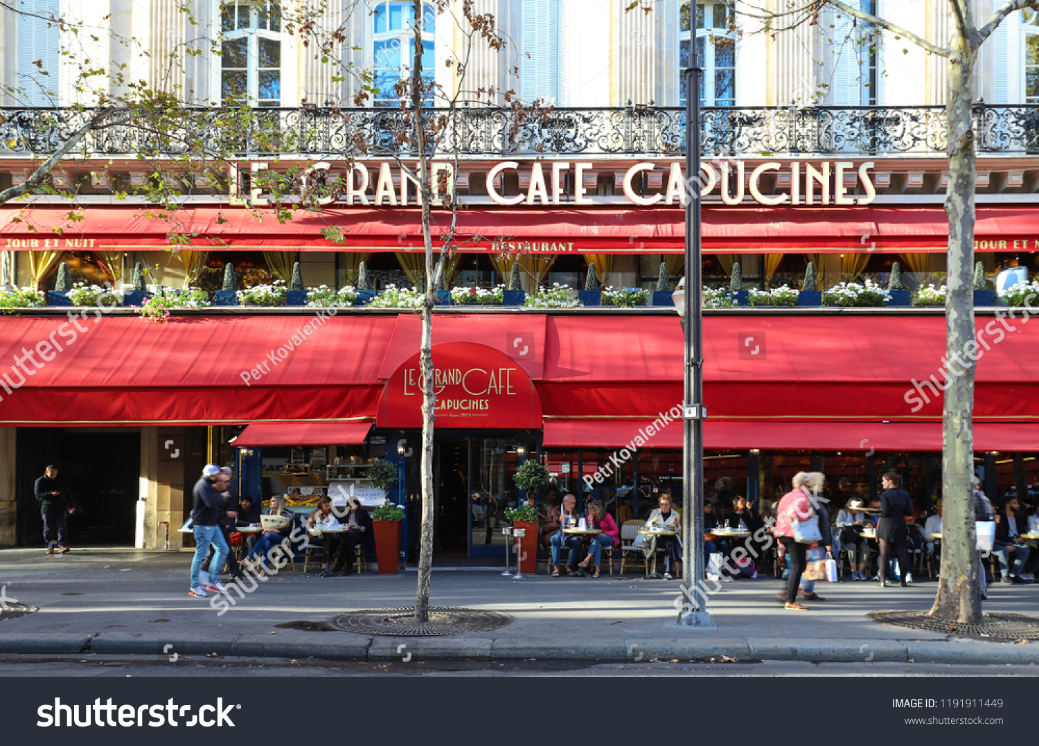 Café Des Capucines Paris Paris Franceseptember 29 2018 Le Grand Stock Photo Edit Now