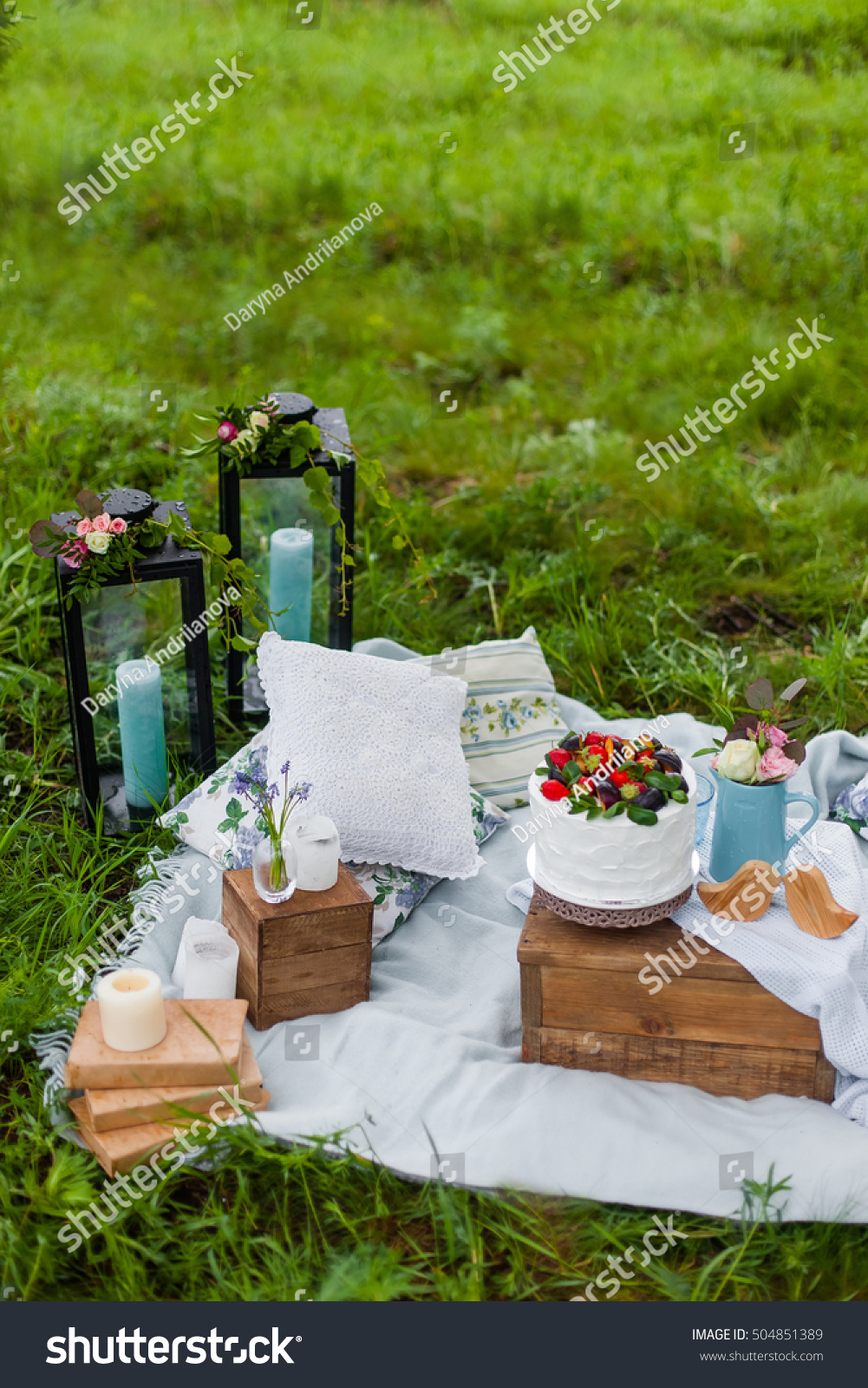 Picnic Decor Picnic Decor Candles Lanterns Flowers White Stock Photo Edit Now