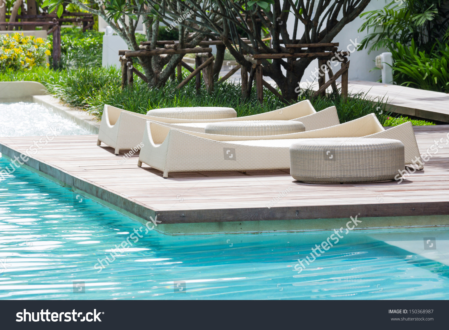 Zwembad Bed Pool Bed At The Swimming Pool Stock Photo 150368987