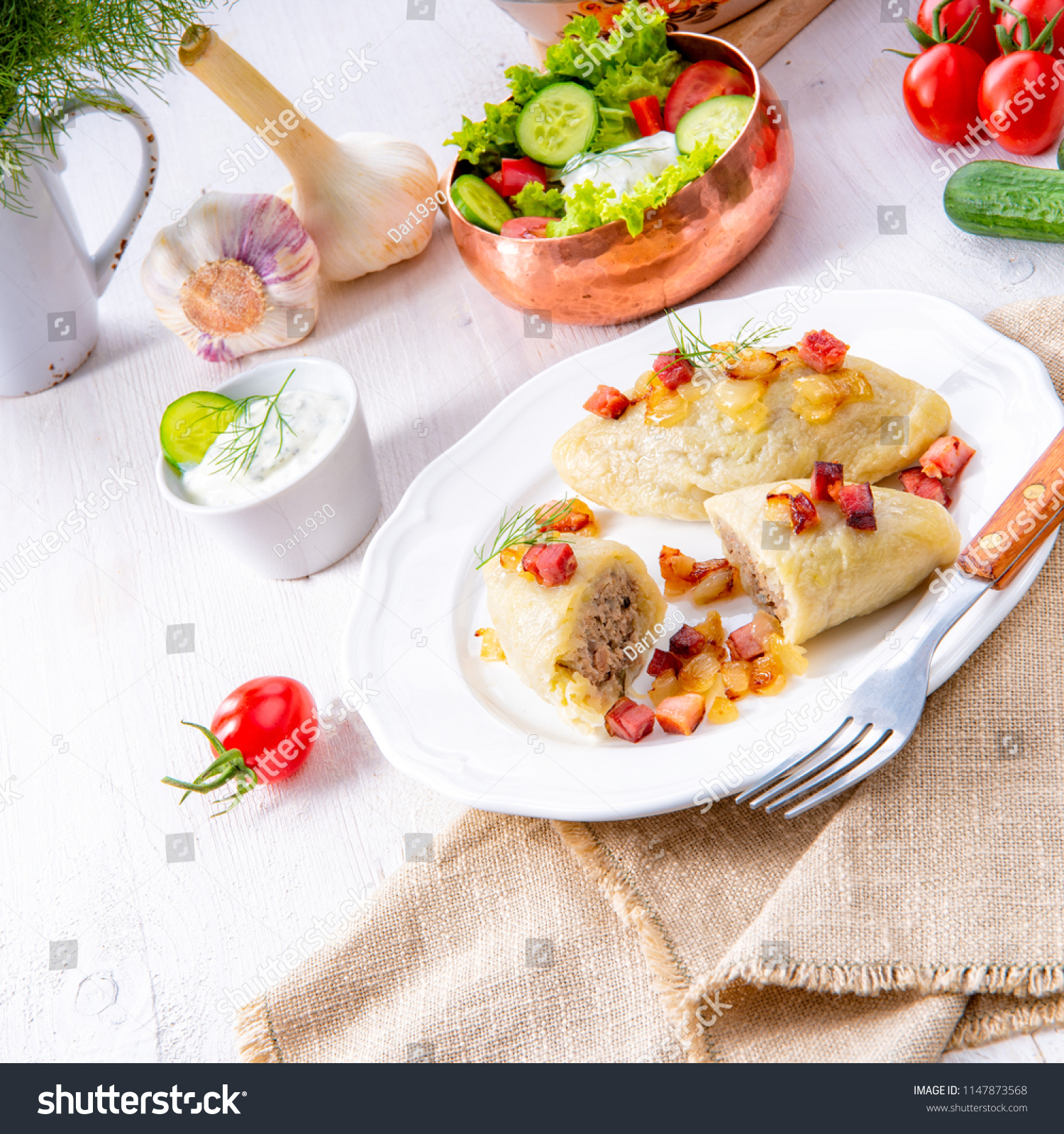 Litauische Küche Zeppelin Rustic Cepelinai Specialty Lithuanian Polish Cuisine Stock Photo