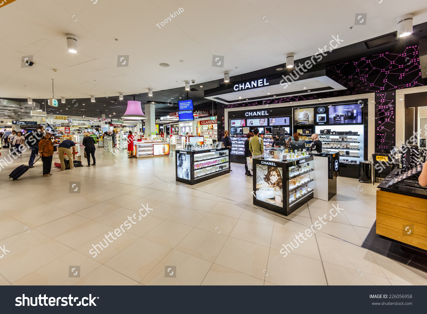 Sydney Airport Shops Sydney May 17 Duty Free Shops Stock Photo Edit Now 226056958