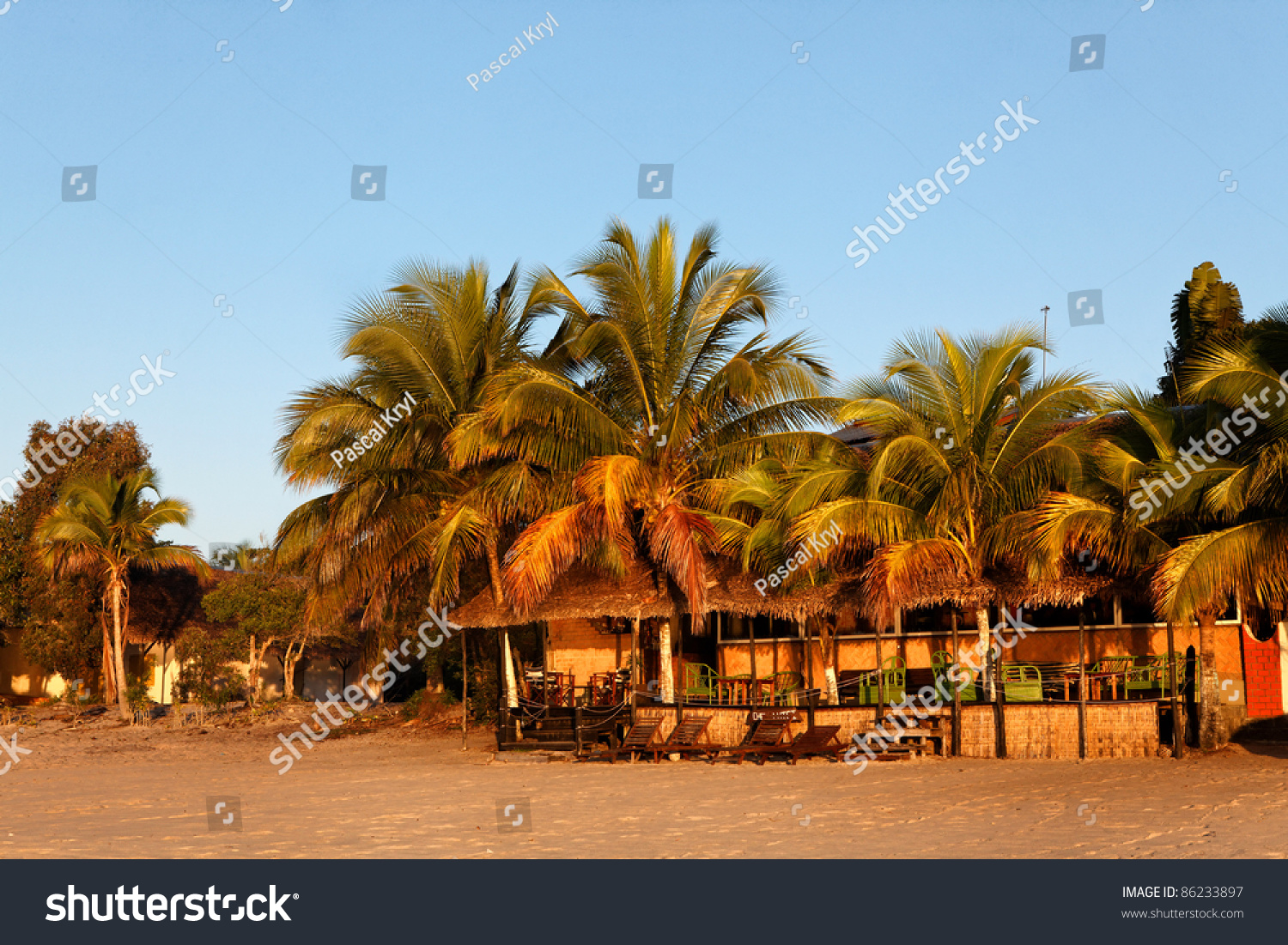 Sable Terrasse Terrasse De Sur La Plage De Stock Photo Edit Now 86233897