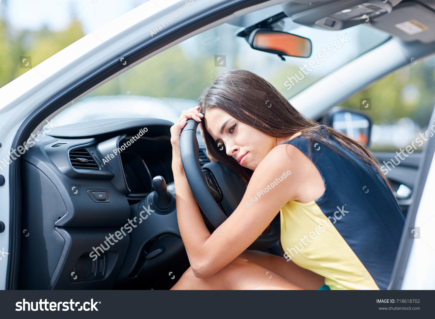 Buying A New Car Girl Came Showroom Buy New Car Stock Photo Edit Now 718618702
