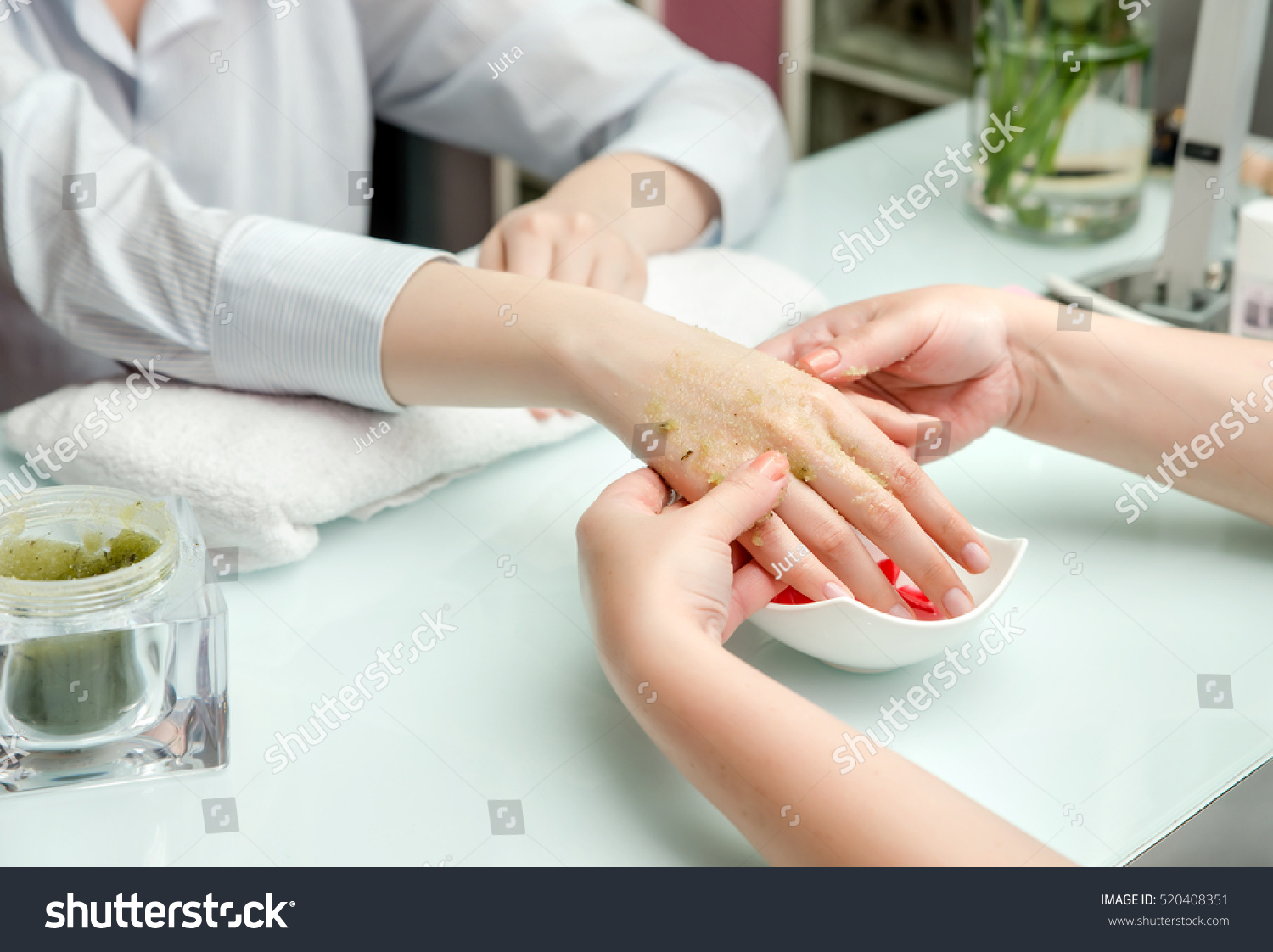 Nail Salon Woman Hands Nail Salon Receiving Hand Stockfoto Jetzt Bearbeiten