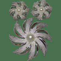 Sarah Coventry Starburst Pinwheel Costume Jewelry Brooch