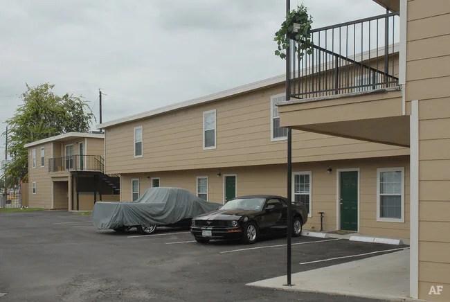 Garden Oaks Townhomes Houston Tx Apartment Finder