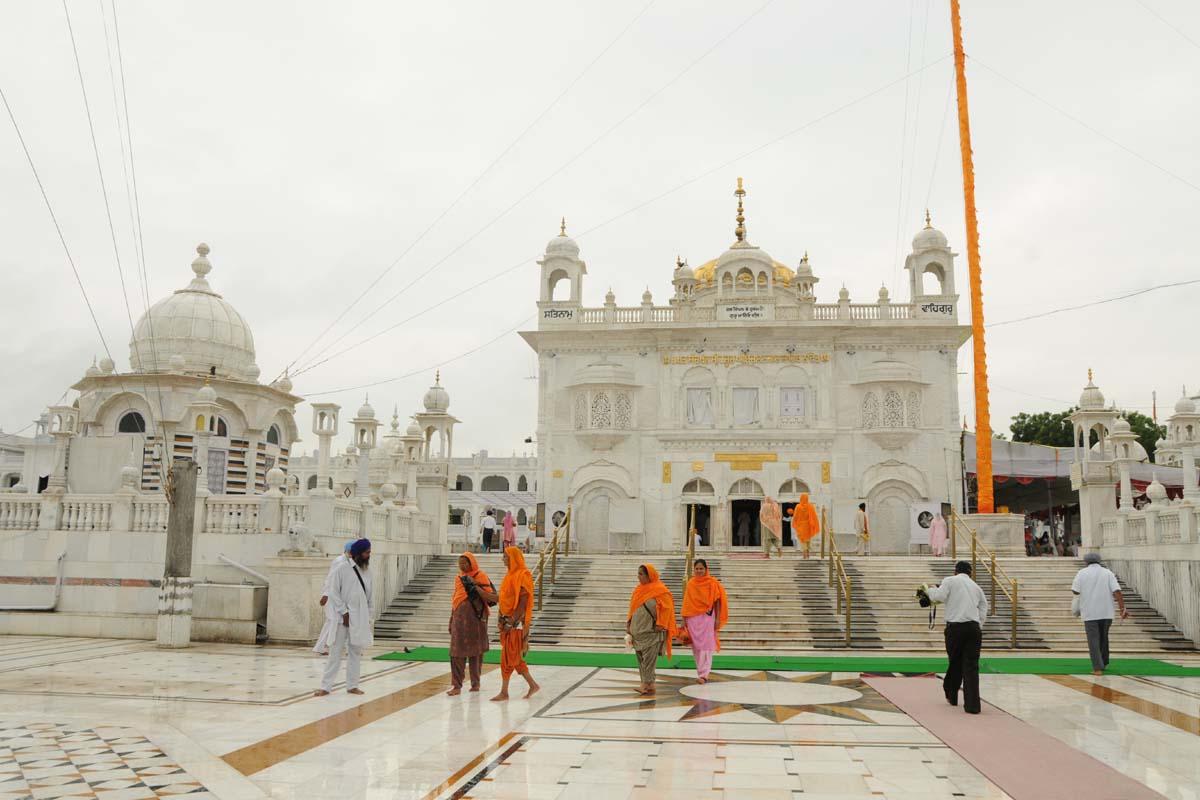 Guru Nanak Dev Ji Hd Wallpaper Hazur Sahib Nanded Photos Images And Wallpapers Hd