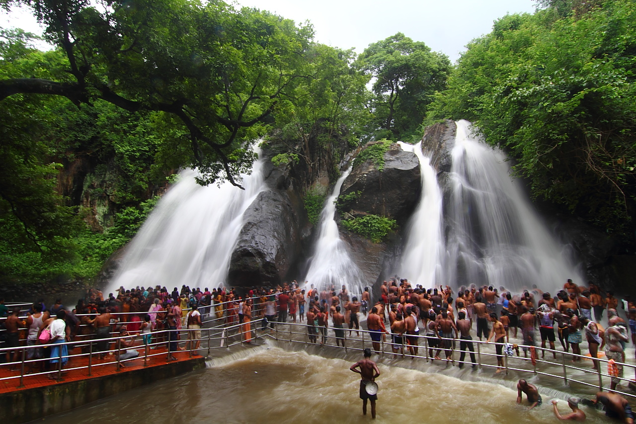 Athirapally Falls Wallpapers Courtallam Reviews Tourist Places Tourist Destinations