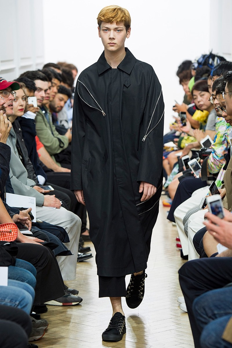 LONDON COLLECTIONS MEN J.W. Anderson Spring 2017. www.imageamplified.com, Image Amplified (19)