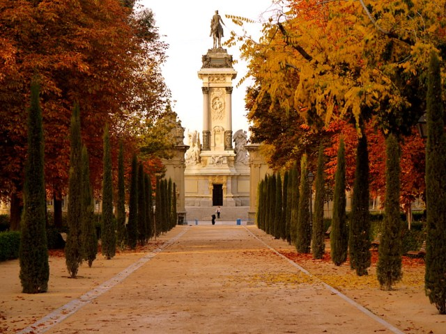 Imagenes parque del retiro jardines de madrid for Parques de madrid espana