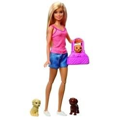 Barbie Cuidando Dos Cachorrinhos GDJ37 - Mattel