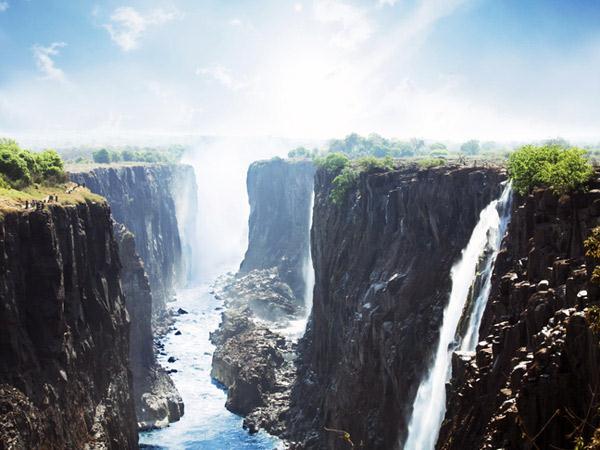 Victoria Falls Wallpaper 1 La Cascade Victoria 224 La Fronti 232 Re Du Zimbabwe Et De