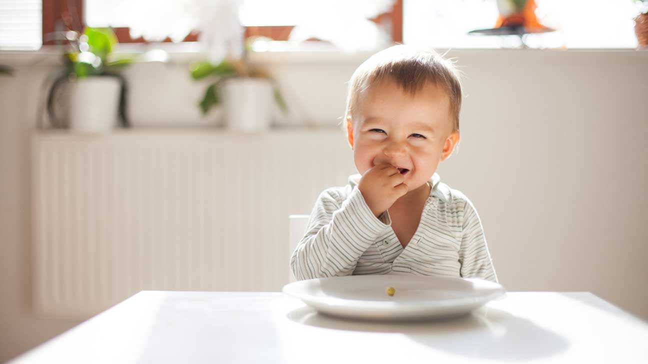 Weaning A Baby Off Formula Baby Led Weaning Benefits Foods And Safety