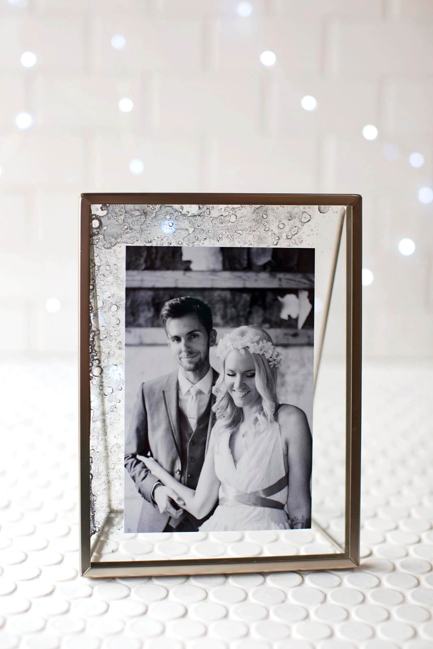 Diy Picture Frame Glass Diy Antique Glass Photo Frame A Beautiful Mess