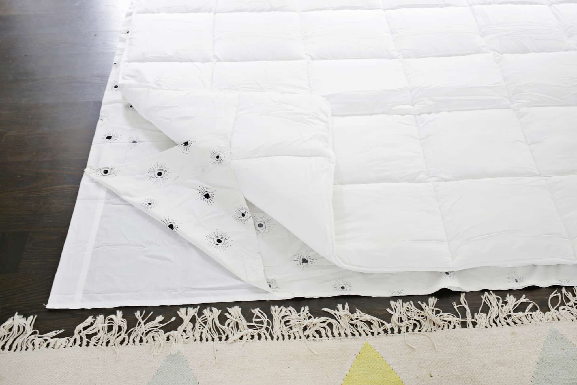 Duvet Covers And Comforters Make An Easy Duvet Cover With Any Flat Sheet A Beautiful Mess