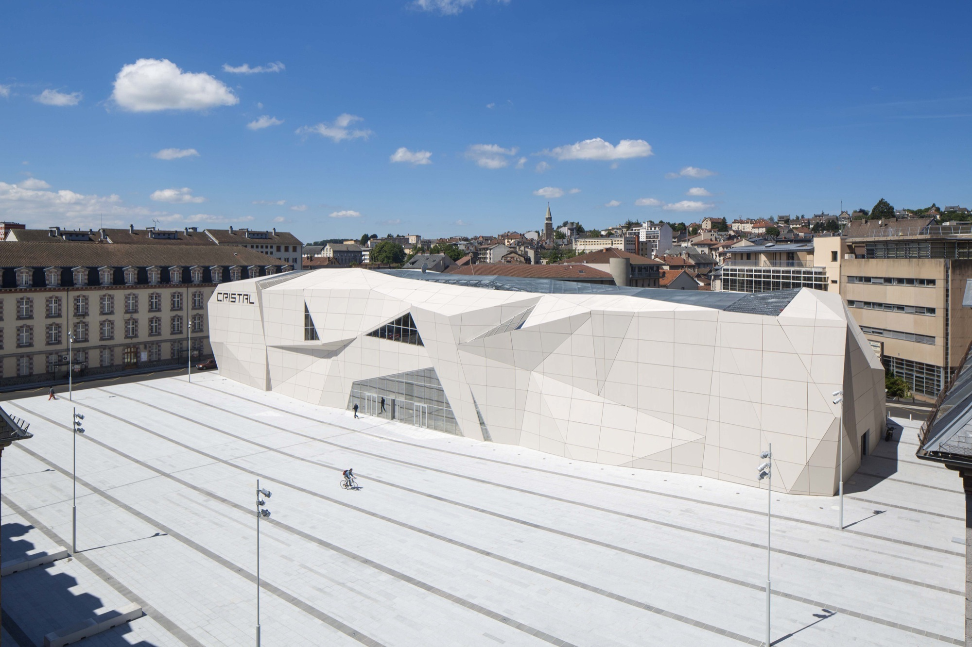 Architecte Aurillac Le Cristal Cinema And Michel Crespin Square Linéaire A Archdaily