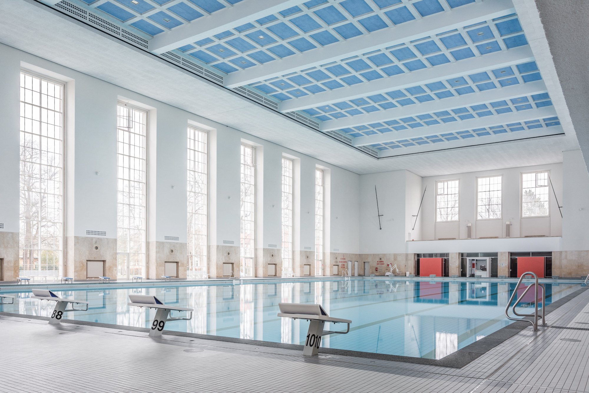 Swimming Pools In Berlin Swimming Hall Finckensteinallee Veauthier Meyer Architekten