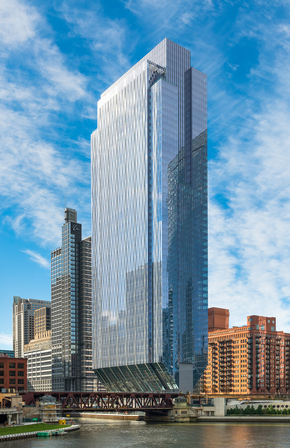 150 North Riverside Goettsch Partners Archdaily
