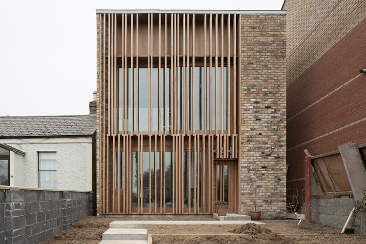 Einfamilienhaus Plan One Up Two Down / Mccullough Mulvin Architects | Archdaily