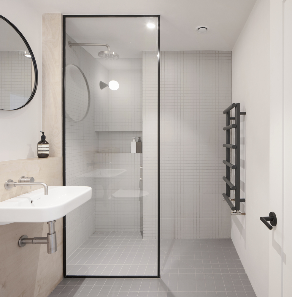 Walk In Showers Without Doors Or Curtains Design Tips And Examples Archdaily