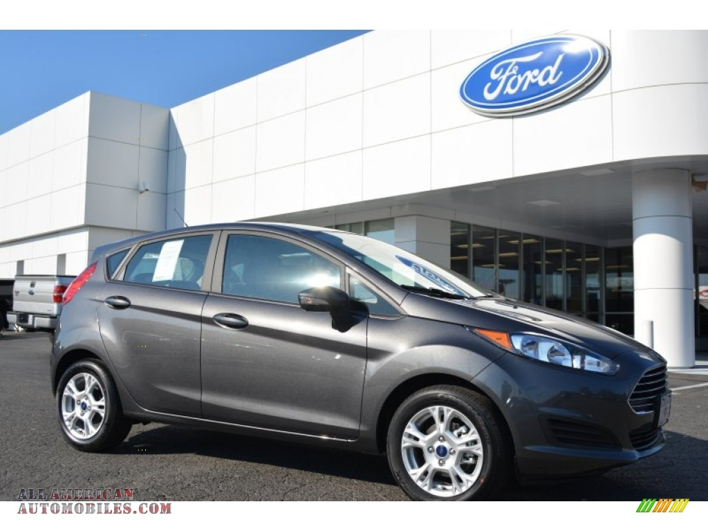 Ford Fiesta Magnetic 2015 Ford Fiesta Se Hatchback In Magnetic Metallic