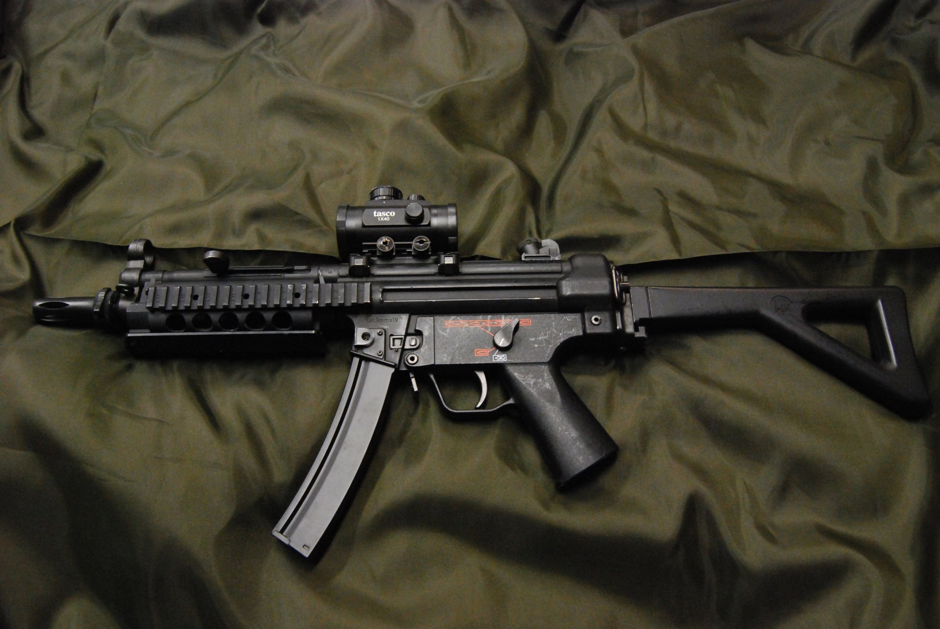 Special Forces Iphone Wallpaper Heckler Amp Koch Mp5 Rifle 4k Ultra Hd Wallpaper And