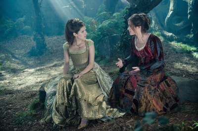 Into The Woods (2014) HD Wallpaper | Background Image | 2500x1668 | ID:803494 - Wallpaper Abyss
