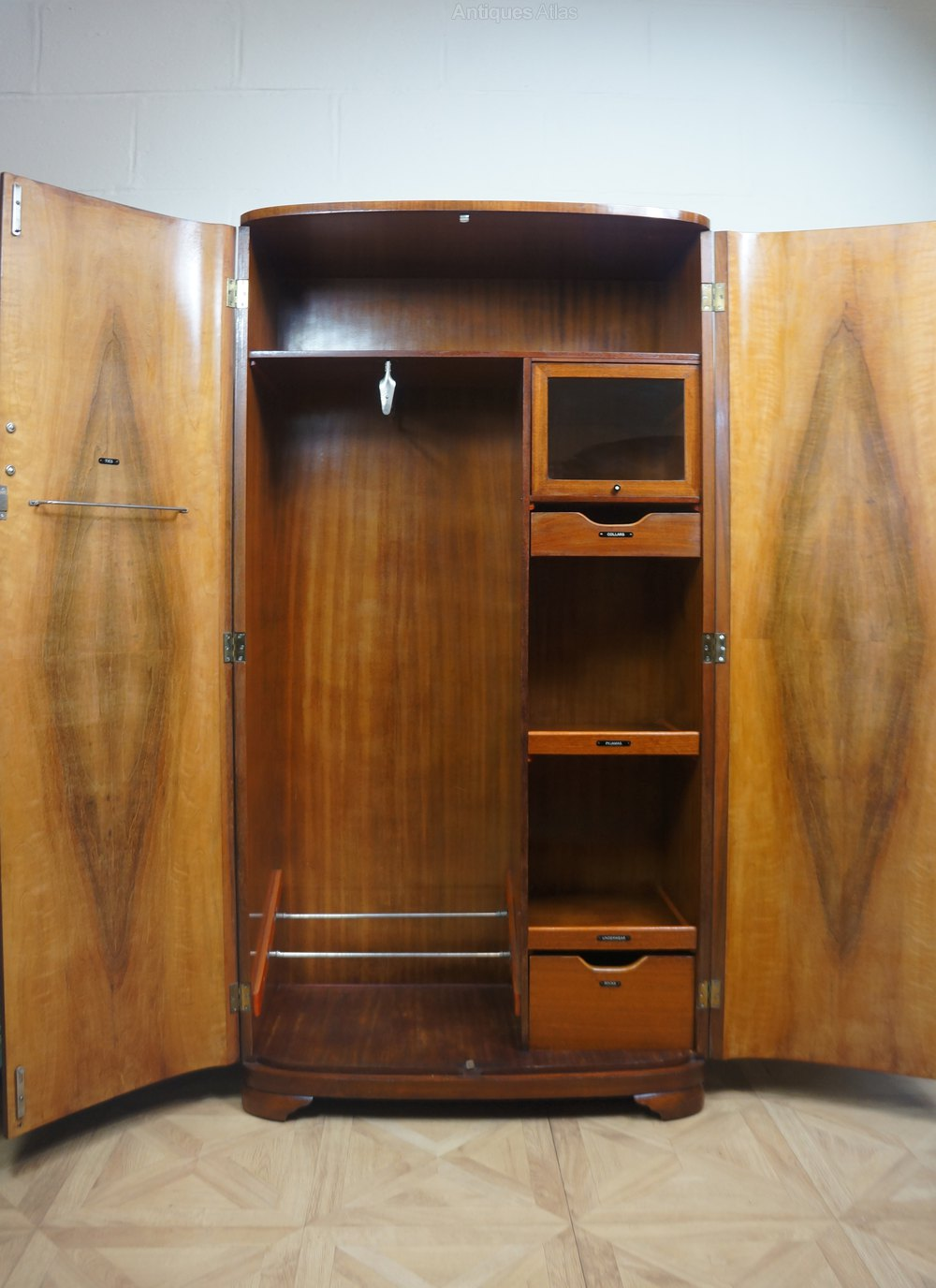 Armoires Gentlemans C1930s Art Deco Odeon Wardrobe - Antiques Atlas
