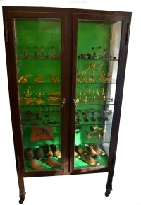 1920s Metal Pharmacy Medical Cabinet - Antiques Atlas