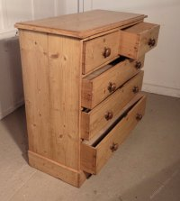 Victorian Rustic Pine Chest Of Drawers - Antiques Atlas