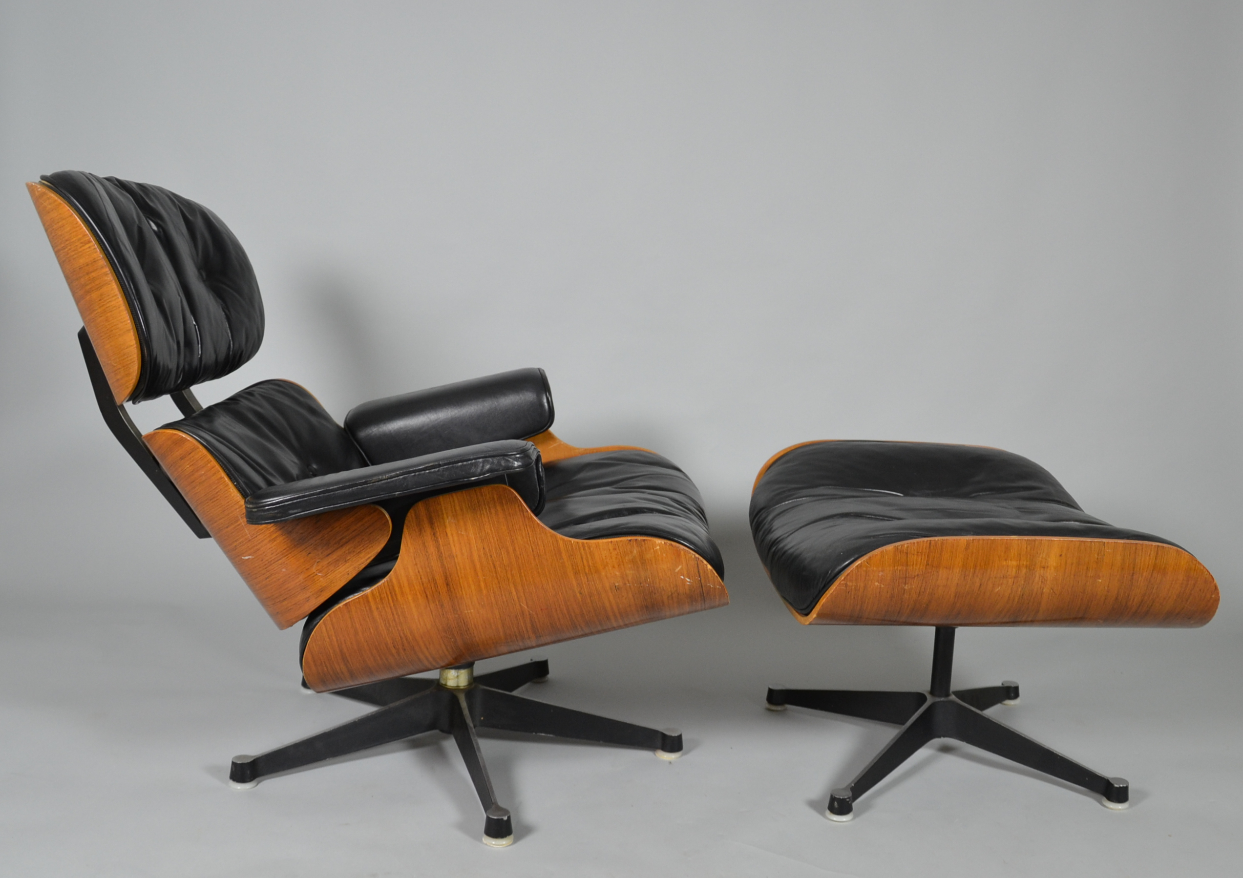 Charles Eames Lounge Chair Charles & Ray Eames. Lounge Chair With Ottoman. Furniture - Armchairs & Chairs - Auctionet