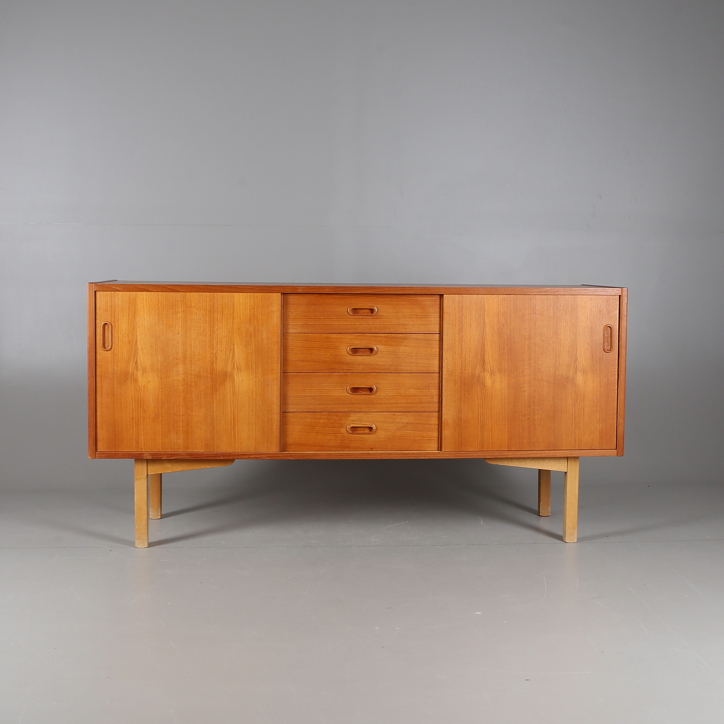 Sideboard Teak Mid 1900s Furniture Chests Of Drawers Auctionet