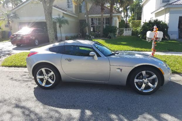 Yes, There\u0027s a Pontiac Solstice Coupe - Autotrader