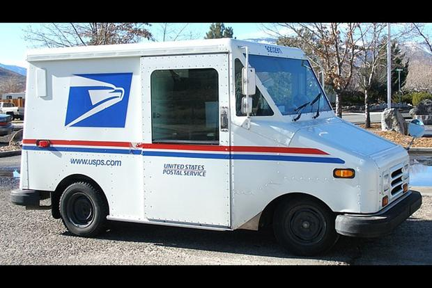 Here\u0027s What It\u0027s Like to Drive a Grumman LLV Mail Truck Every Day
