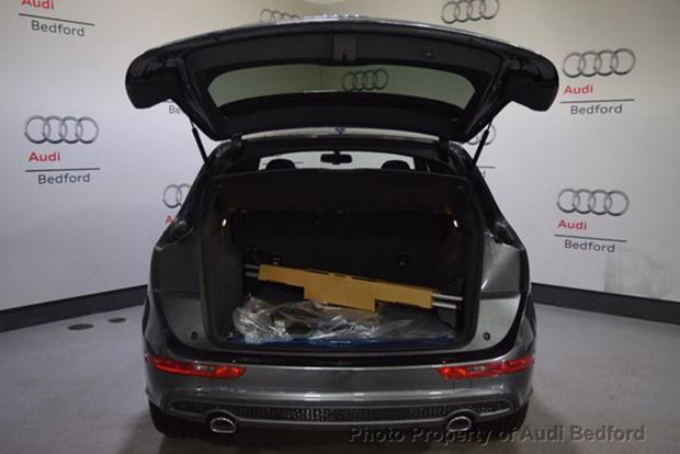 Here\u0027s Why the Audi Q5 and Q7 Have Two Sets of Brake Lights - Autotrader