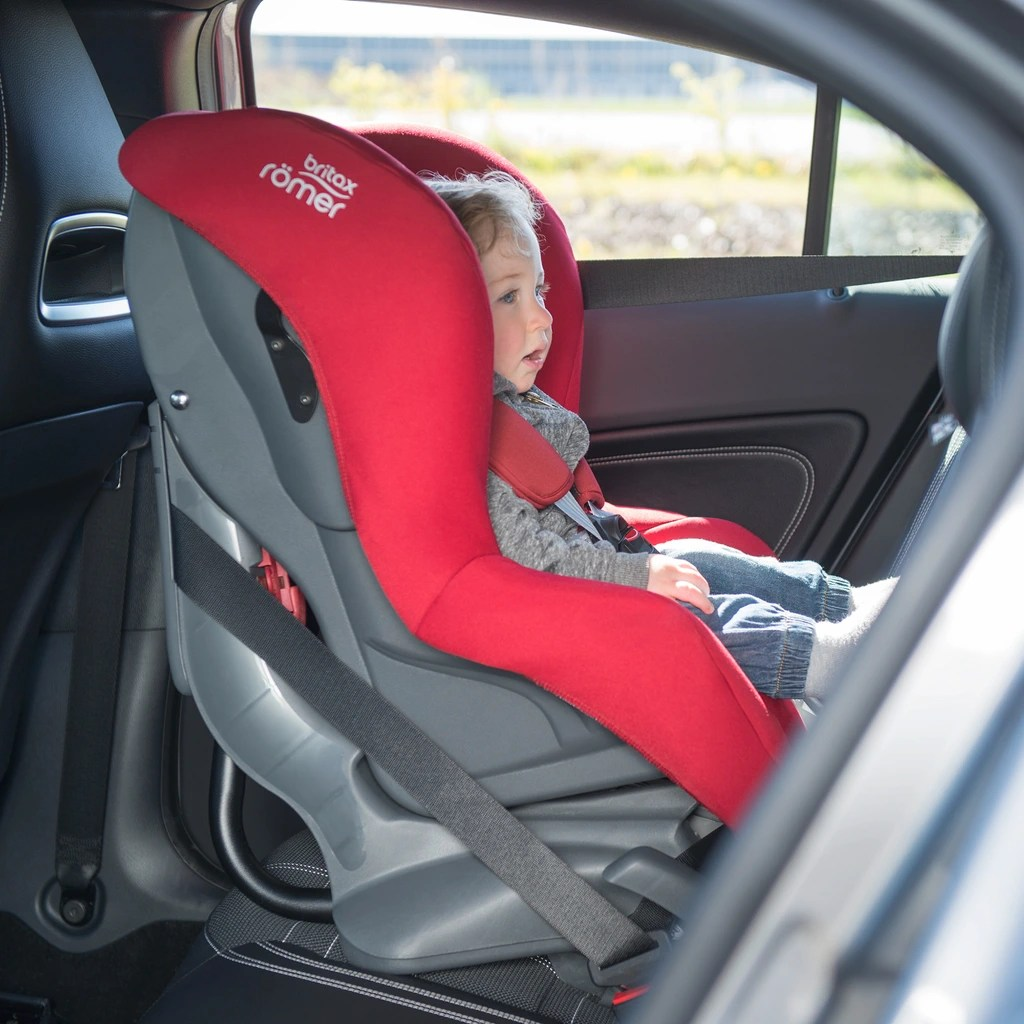 Römer Kindersitz Rückwärts Gerichtet First Class Plus Kindersitz Fire Red