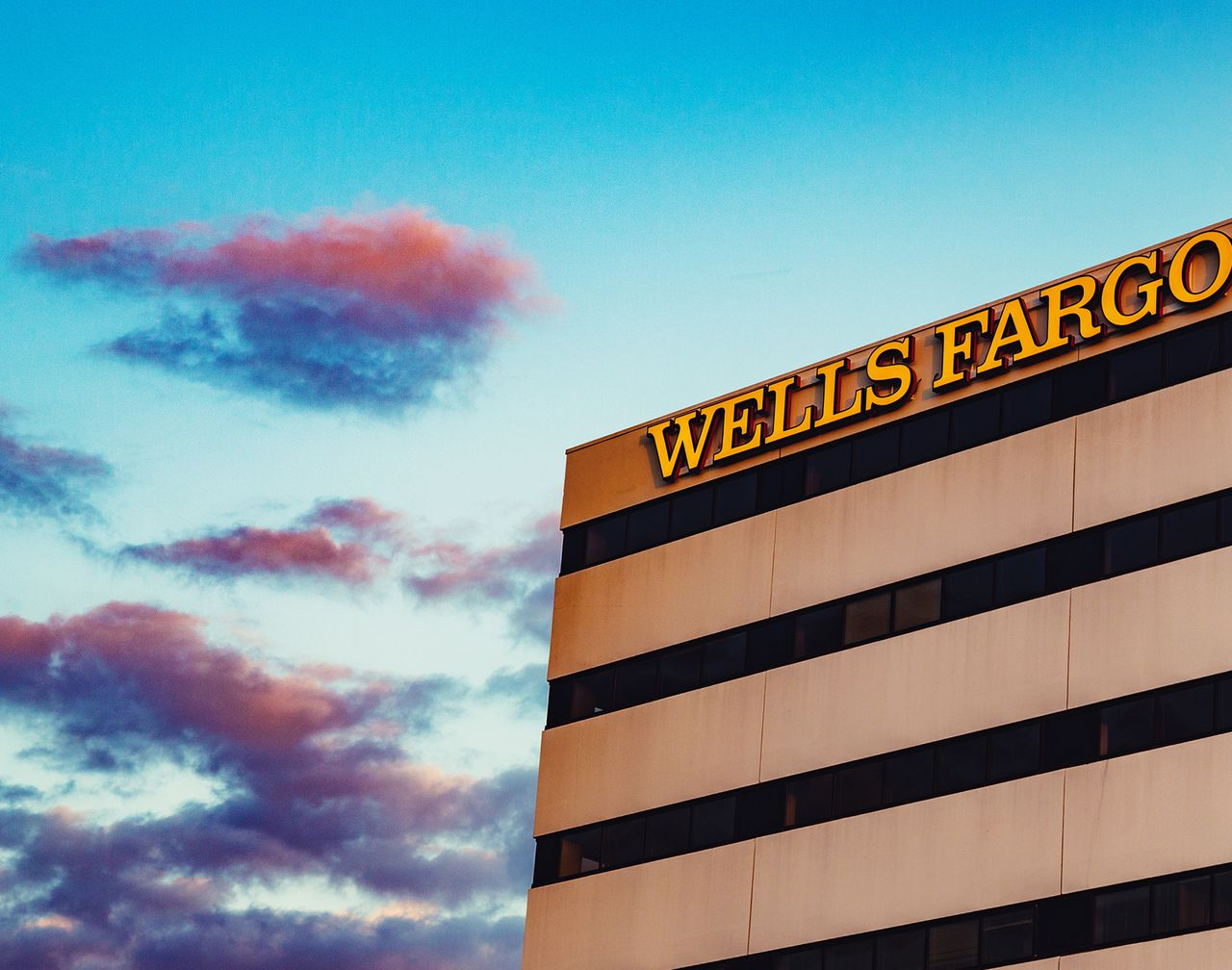 Wells Fargo Boosts Its Dividend Yet Again - Barron\u0027s