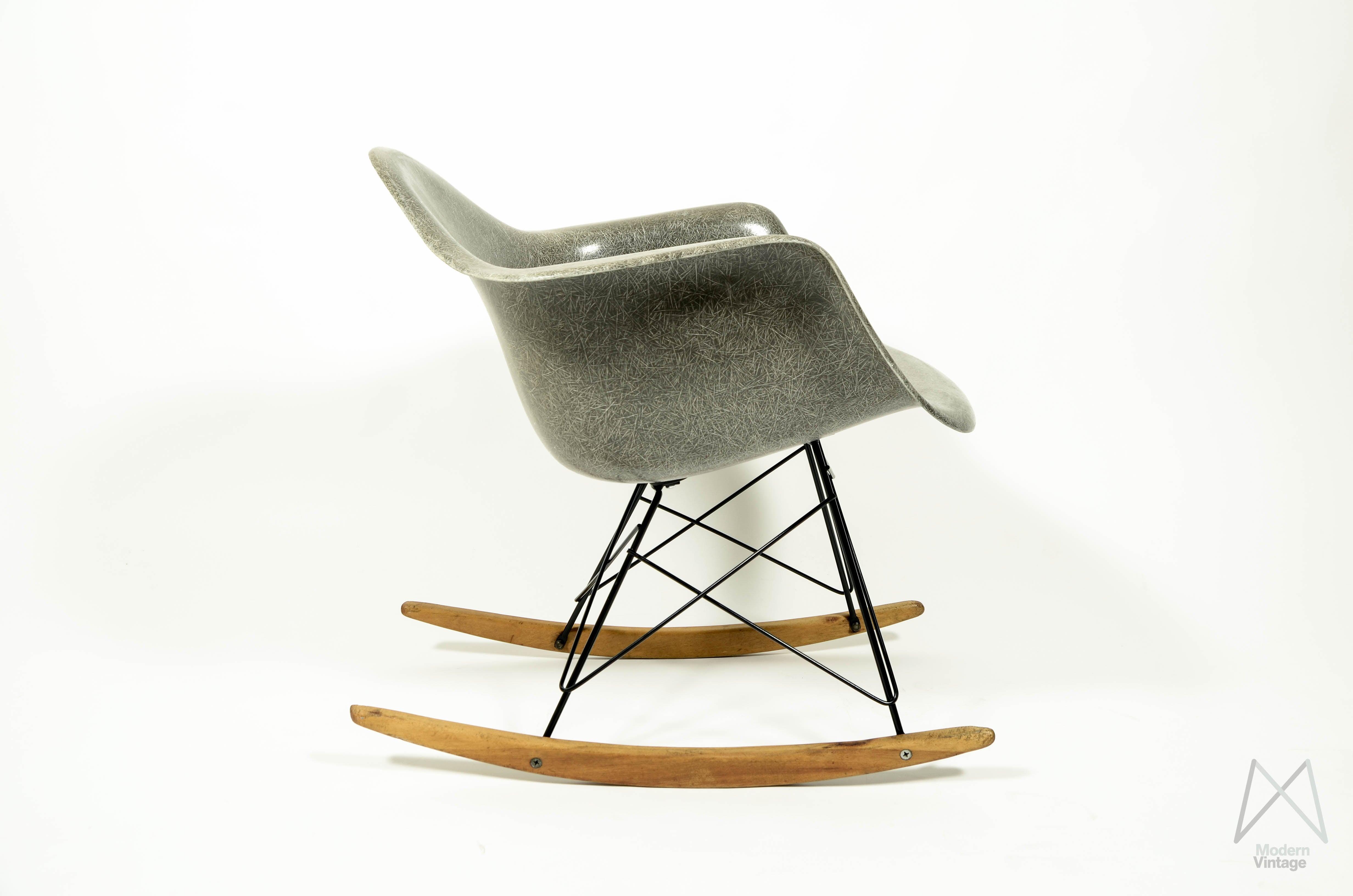Charles Eames Stoel : Eames stuhl kinder eames plastic armchair stuhl daw mit