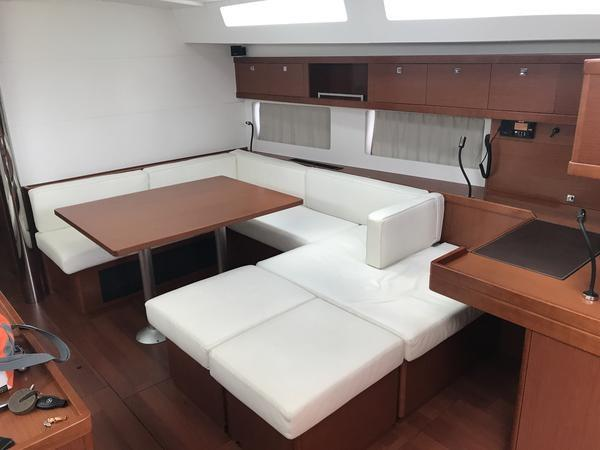Lattenroste Mit Motor Antrieb 2015 Beneteau Oceanis 55 France - Approved Boats