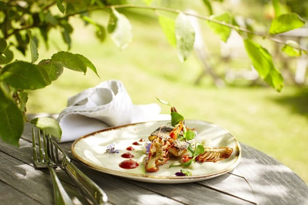 Two Course Lunch With Fizz For Two At Tudor Farmhouse