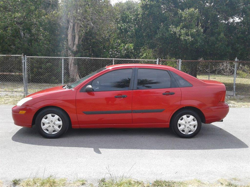 Buy A Ford Focus 2001 Ford Focus 1 4 For Sale 14 Used Cars From 980