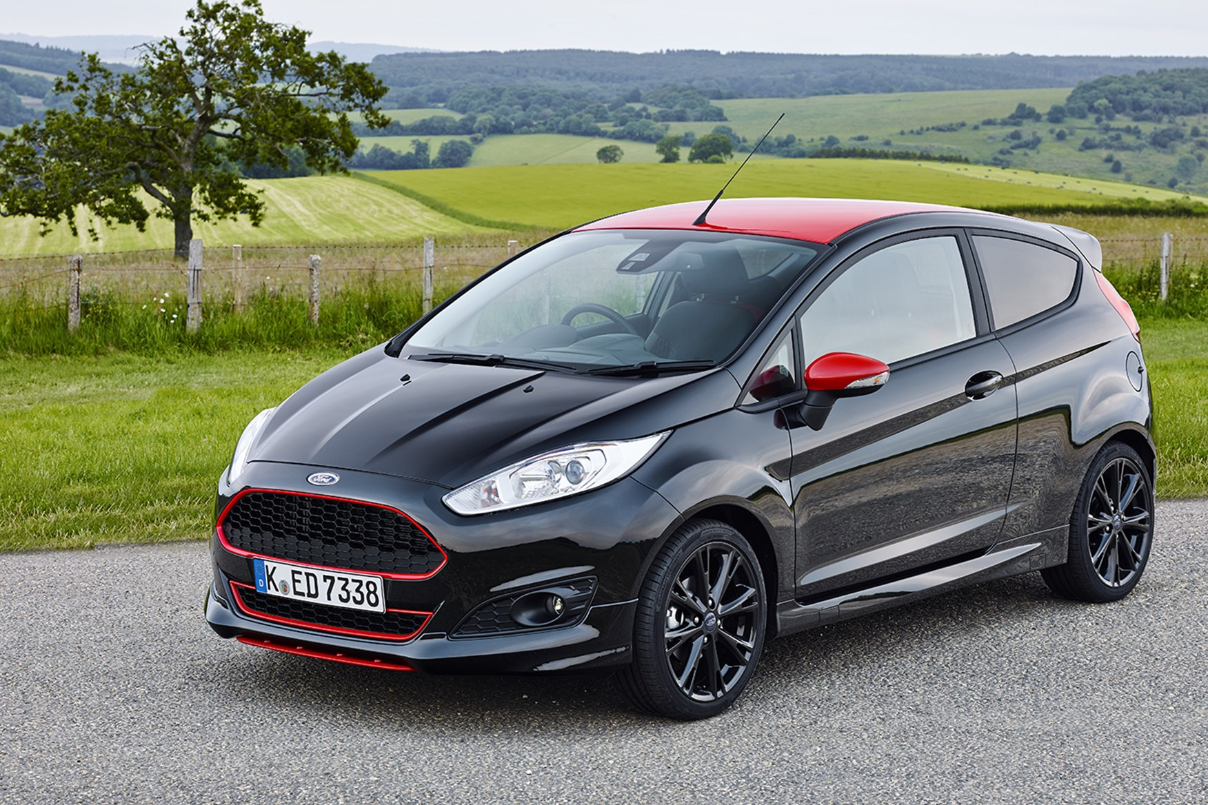 All Black Ford Fiesta Ford Fiesta 1 Ecoboost 140ps St Line Black Edition 2016