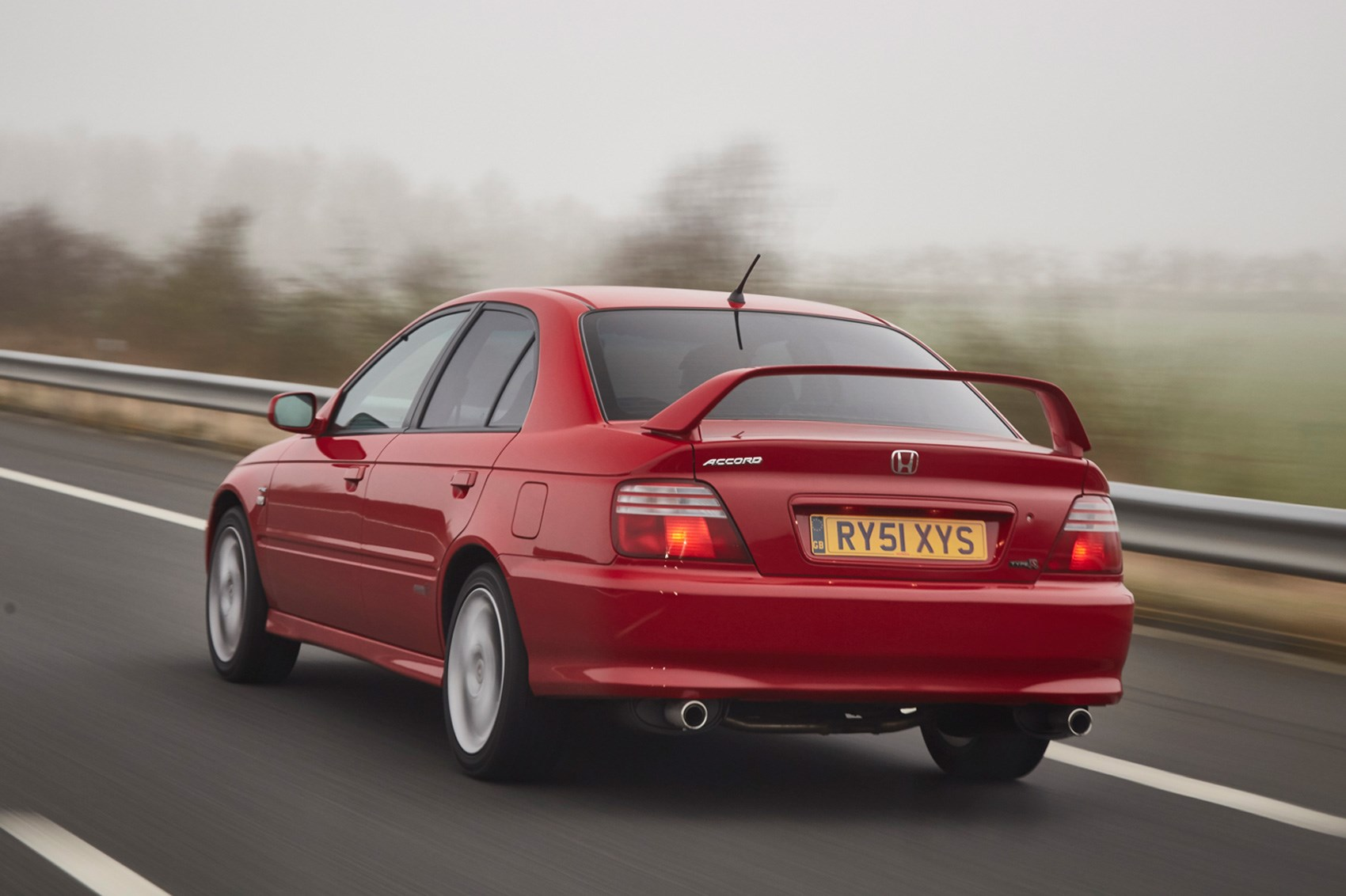 Driving The Classics Honda S Type R Icons By Car Magazine - Honda Accord Type R Interieur