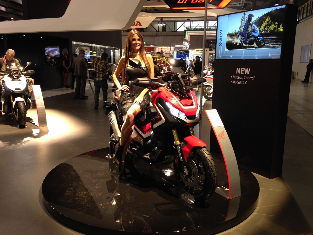 Salon Milan Salon De Milan 2017 En Direct Honda X Adv