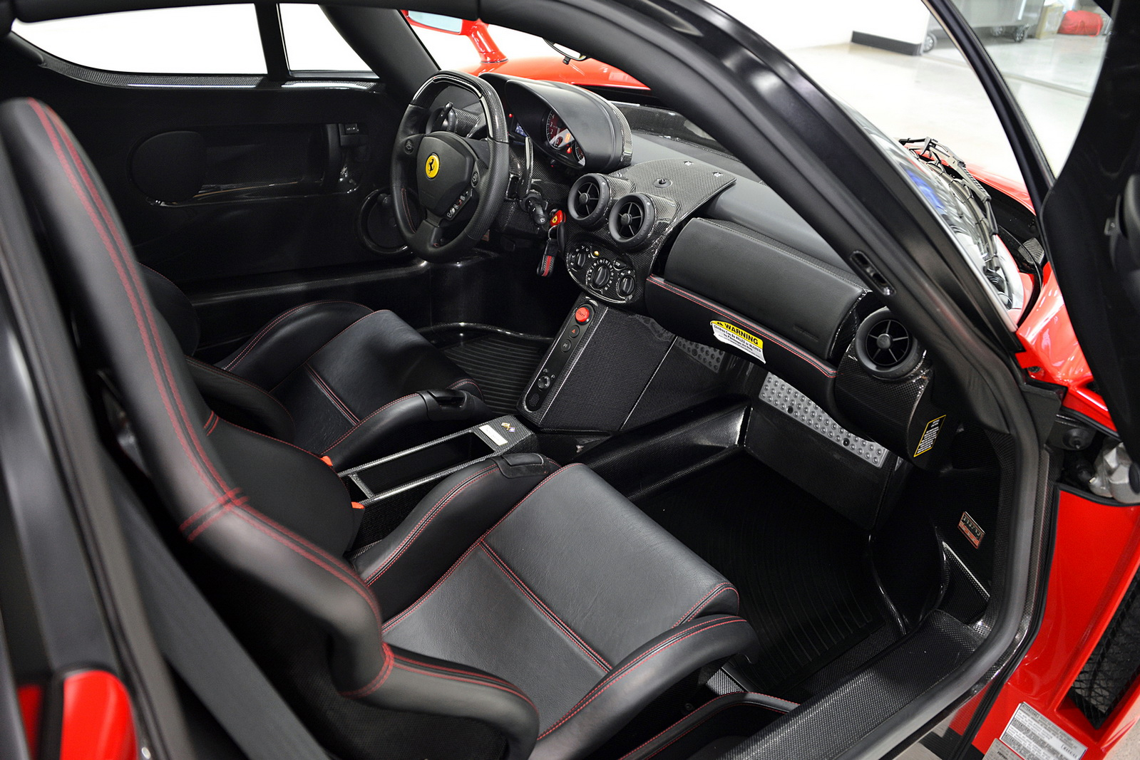 Enzo Interieur My Precious Ferrari Enzo With Just 354 Miles For Sale Carscoops