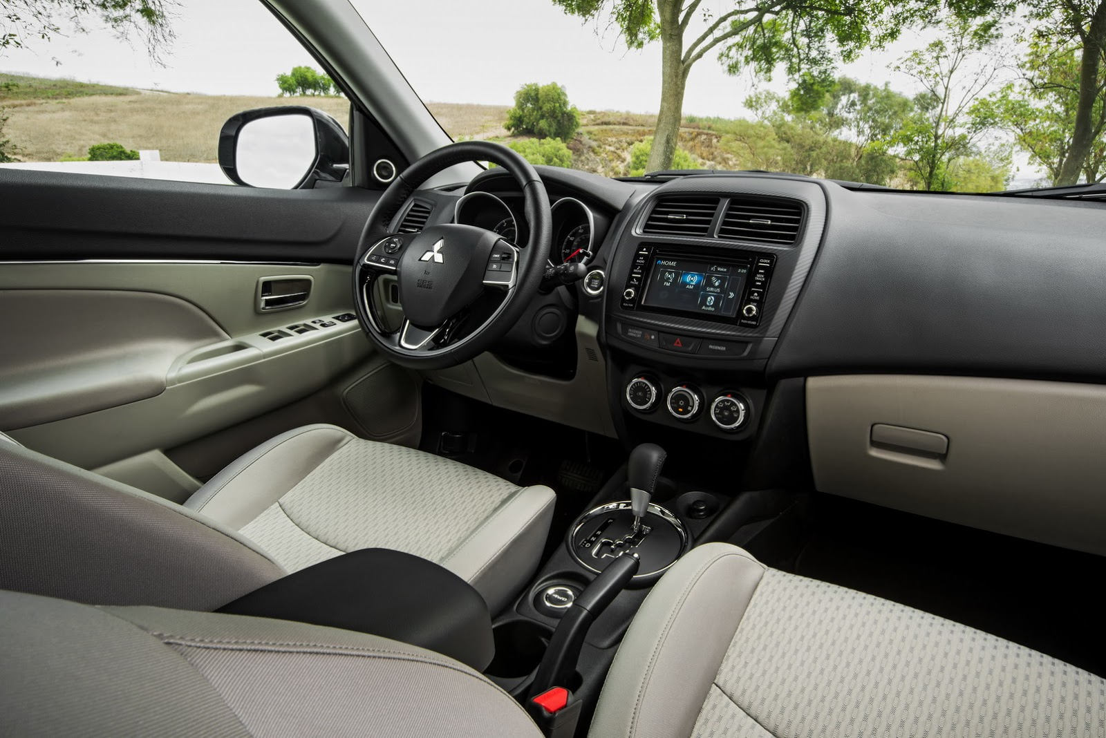 Interieur Mitsubishi Outlander Mitsubishi Brings The Facelifted 2016 Outlander Sport To La